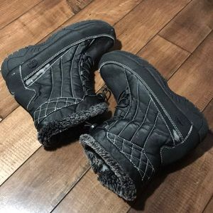 Totes size 9 winter boots for women black boots